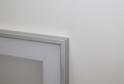 Алюминиевая витрина с акриловым матовым пластиком