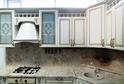 Кухня пленка Белая с золотой патиной