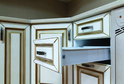 Кухня пленка Белое дерево золотая патина с объемной фрезеровкой